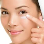 Guide on Eye Serum vs Eye Cream – Which is Better