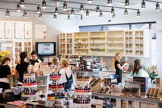 4 Tips For Starting Your First Cosmetic Store   Cosmetics Producs 911719cf0dc